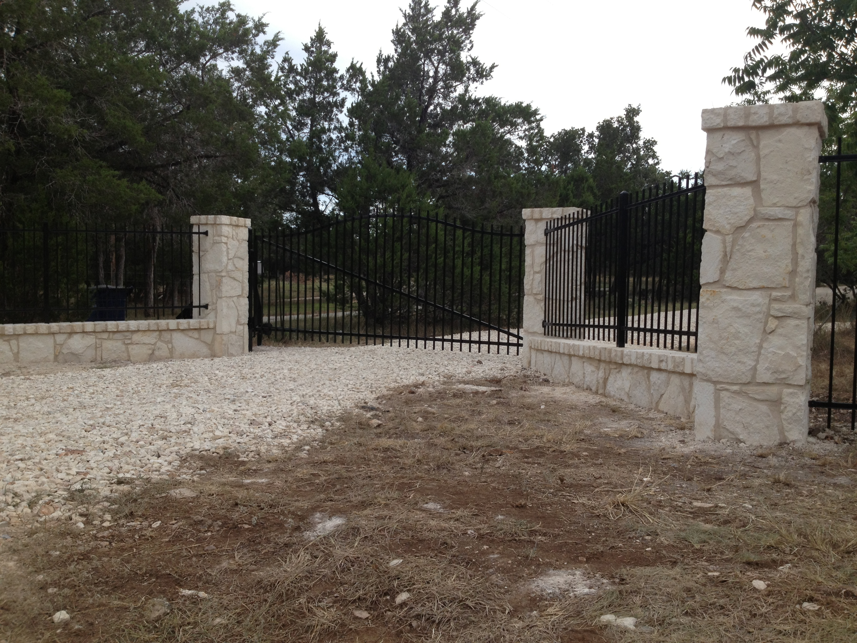 Gates Amp Entrances Hicks Fencing Hicks Fencing